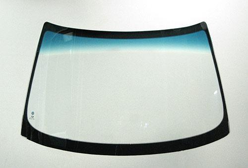 фото стекло лобовое